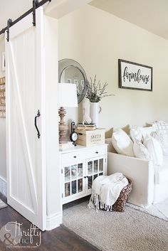Summer decor and decorating ideas for living room. Cottage farmhouse decor. White and neutral living room. DIY barn doors into living room