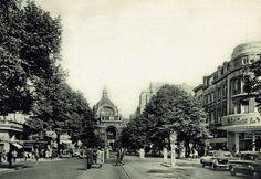 """Antwerpen, de Keyserlei, jaren 1950. Rechst de Quellinstraat met cinema Crosly waar de film """"Vijandige broeders"""" speelt, een de echte titel ging lost in translation...."""