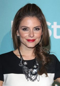 Maria Menounos chic, brunette hairstyle