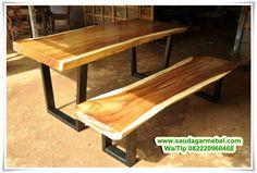 Meja Bar Trembesi Minimalis – Model terbaru dari Mebel Jepara Meja Bar Minimalis modern, yang terbuat dari jenis kayu Trembesi Solid. dimana langsung di produksi oleh pengrajin mebel jepara yang sudah handala dan berpengalaman.