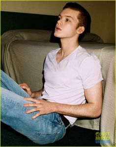 Shameless' Cameron Monaghan: Just Jared Spotlight of the Week (Exclusive!) | cameron monaghan jj spotlight of the week 01 - Photo