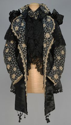 LOT 595 EMILE PINGAT SILK CARRIAGE COAT with LACE and BEADWORK, 1890s - whitakerauction