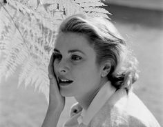 Grace Kelly Old Hollywood Glam, Golden Age Of Hollywood, Hollywood Actresses, Classic Hollywood, Monaco, Princesa Grace Kelly, Grace Kelly Style, Princess Margaret, Classic Beauty