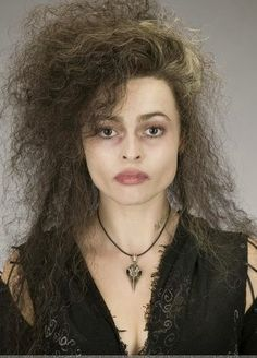 "Helena Bonham Carter as Bellatrix Lestrange - ""Harry Potter Saga"" - Harry Potter Disney, Harry Potter Halloween, Harry Potter Film, Cosplay Harry Potter, Theme Harry Potter, Harry Potter Characters, Bellatrix Lestrange Kostüm, Belatrix Lestrange, Costume Wigs"