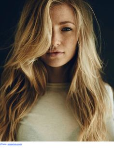 Layers can do a lot for your hair: remove weight, add volume, boost waves, and enhance your features. And while not everyone wants more curl or volume, everyone can benefit from a little face frami...