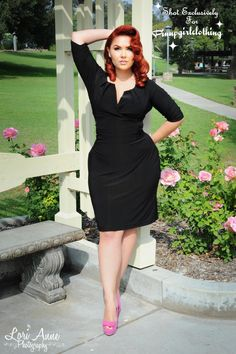 Curvy woman black dress and pink high heels curvy girl fashion, plus size fashion, Fashion Moda, Look Fashion, Fashion News, Fashion Trends, Curvy Girl Fashion, Plus Size Fashion, Moda Xl, Pin Up, Look Plus Size