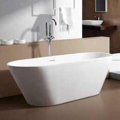 Bari 1700 Freestanding Bath