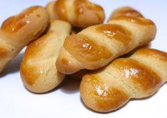 Koulourakia recipe (Greek Easter Cookies)-2