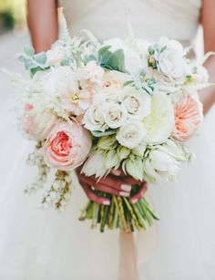 Wedding Bouquet Inspiration - Photo: onelove photography
