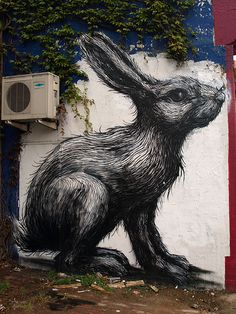 Roa, Hackney Road // London http://restreet.altervista.org/roa-rappresenta-la-sofferenza-della-fauna-causata-dalluomo-2/