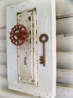 This shabby and chippy white clothing hook shouts everything vintage! The reclaimed lumber has been white washed, then adorned with a vintage style
