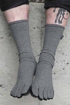 If you like compression socks, you've got to check out these new Imak Compression Toe Socks! They come in three sizes, and have a tube-style heel.  https://www.sockdreams.com/imak-compression-toe-socks.html  You may also like the Imak Compression Fingerless Gloves by the same company, which we've been carrying (and loving) for awhile now:  https://www.sockdreams.com/imak-compression-fingerless-gloves.html   <3 -Lucy #FUNNYSOCKS #FUNSOCKS #FUNKYSOCKS #SOCKS #SOCKSWAG #SOCKSWAGG #SOCKSELFIE…