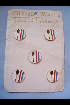 Tennis buttons