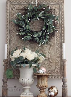 19 French Country Christmas Decor Ideas - French Urns Christmas Decor via Maison de Cinq - French Country Christmas, Country Christmas Decorations, French Country Kitchens, French Country Bedrooms, French Country Cottage, Country Farmhouse Decor, French Country Style, Country Primitive, French Home Decor