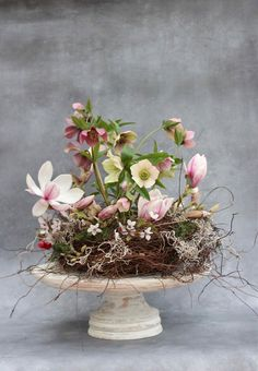 Hellebore wedding table decoration - beautiful hellebore wedding flower ideas for winter brides // The Natural Wedding Company