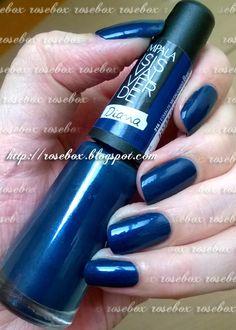 RoseBox: Unhas azuis