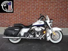 HARLEY DAVIDSON ROAD KING Classic 1584