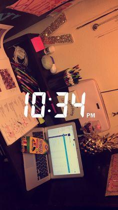 Pinterest: @xonorolemodelz Snapchat Stories, Snapchat Ideas, About Snapchat, Snap Streak, Snapchat Streak, Tumblr Love, Snapchat Picture, Drawing Studies, Study Photos