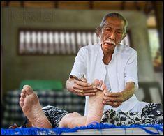 Bali healing and wellness http://balifloatingleaf.com/bali-healers-tour/ Bali Healers ~ A personal account