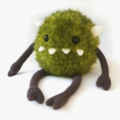 Harry the monster amigurumi pattern by DIY Fluffies