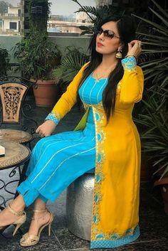 Latest Punjabi Suits Design, Designer Punjabi Suits Patiala, Indian Designer Suits, Kurti Sleeves Design, Silk Kurti, Punjabi Fashion, Suit Pattern, Embroidery Suits Design, Groom Outfit