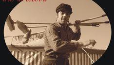 TRAS LA ESCOBA (CIA. BARRE) La influencia del cine mudo es evidente en esta deliciosa pieza de teatro y clown. 'Tras la escoba' (Cia Barre) no necesita palabras para contar la historia de un peculiar barrendero de los años 60, una entrañable función llena de de humor y ternura apta para todos los públicos. http://www.kmon.info/es/teatro/tras-escoba-cia-barre-kalez-kale-iurreta  🎸 💃 🎷 🎻   🎭   www.kmon.info 🚩