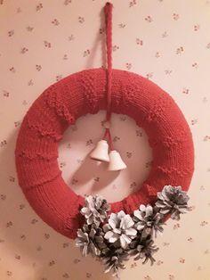 Burlap Wreath, Wreaths, Home Decor, Decoration Home, Room Decor, Bouquet, Interior Decorating, Floral Arrangements