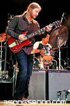 Derek Trucks: How can you not love awesome electric slide guitar? http://www.pinterest.com/TheHitman14/musician-guitarists-%2B/