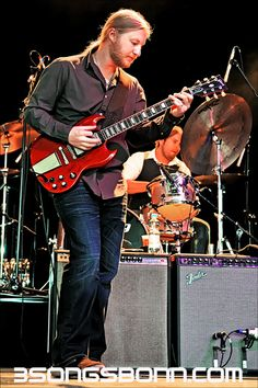 Derek Trucks: How can you not love awesome electric slide guitar? http://www.pinterest.com/TheHitman14/musician-guitarists-%2B/