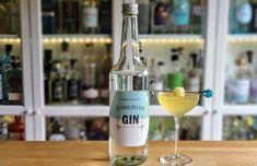 Honningmelon og Husholdnings Gin - Alt om Gin Cocktails, Drinks, Gin, Vodka Bottle, Glass, Juice, Craft Cocktails, Drinking, Beverages