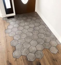Products that showcase why concrete is the trending design material Floor Design, House Design, Diy Woodworking, Entryway Decor, Home Interior Design, Home Remodeling, Sweet Home, New Homes, Home Decor
