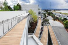 Bildergebnis für frank gehry facebook menlo park Norman Foster, Frank Gehry, Menlo Park, Indoor Outdoor, Outdoor Decor, Low Key, School Design, The Neighbourhood, Sidewalk