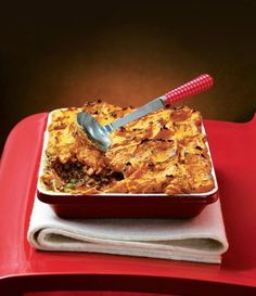 Five Approaches To Economize Transforming Your Kitchen Area This Recipe Is A Spicy Version Of Cottage Pie, Serve It Up As A Mid-Week Treat. Lamb Recipes, Pie Recipes, Indian Food Recipes, Cooking Recipes, Indian Foods, Indian Dishes, Curry Recipes, Dinner Recipes, Cottage Pie