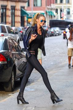 Gigi Hadid, heading to Taylor Swift's NYC apartment.