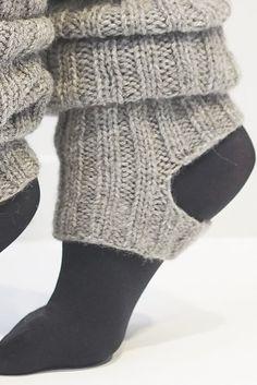 Neulotut säärystimet Novita Suomivilla   Novita knits Yoga Fashion, Fashion Outfits, Knitting Patterns, Crochet Patterns, Leg Warmers, Knit Crochet, Slippers, Socks, Sewing