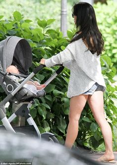 Pushing the Stokke Crusi pram – Hilaria Baldwin and hubby Alec Baldwin had their hands full in the Hamptons on Saturday with their young daughter Carmen, 1, and newborn son Rafael