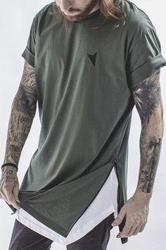 Camiseta Longline, Camiseta com Zíper, Camiseta Verde Militar, Right Here, Camiseta Oversized Masculina, Camiseta Military Super Zip - Right Here Co.