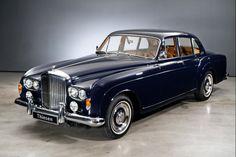 1963 Bentley - S III Kontinentaler Flugsporn - Smoke Motion Bentley Auto, Bentley Motors, Bentley Rolls Royce, Rolls Royce Cars, Bentley Continental Gt Cabrio, Vintage Cars, Antique Cars, Rolls Royce Silver Cloud, Modern Muscle Cars