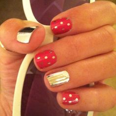 Love this combo of #jamberry nail wraps. So much easier than polish. Can't beat that metallic!
