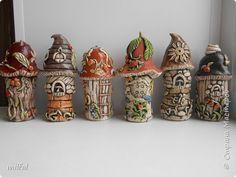 по грибы Bottle Art, Bottle Crafts, Clay Jar, Fairy Jars, Polymer Clay Projects, Salt Dough, Fairy Houses, Recycled Crafts, Sculpture Art