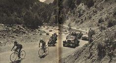 Tour de France 1953. 18^Tappa, 22 luglio. Gap > Briançon. Col d'Izoard. Louison Bobet (1925-1983) e Adolphe Deledda (1919-2003) [Le Miroir des Sports. L'Histoire du Tour '53]