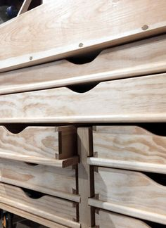 Woodworking Tools Dutch Tool Chest w/ drawers More - Workbench With Drawers, Tool Drawers, Chest Drawers, Woodworking Furniture, Diy Furniture, Woodworking Projects, Woodworking Jointer, Cardboard Furniture, Woodworking Techniques