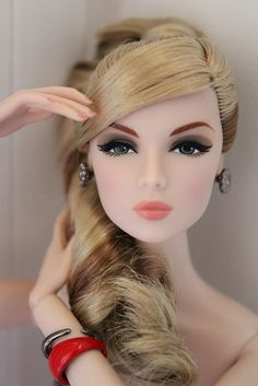Eden, Fashion Royalty Doll