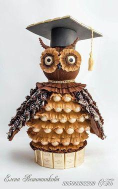 Одноклассники I Love Chocolate, Chocolate Art, Chocolate Gifts, Owl Crafts, Diy And Crafts, Arts And Crafts, Hershey Kiss Cookies, Candy Flowers, Wedding Plates