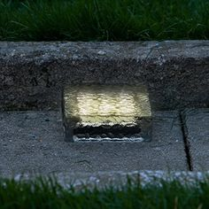 "8"" x 4"" Recessed Rectangular Cool White Polyresin Solar Landscape Paver Brick Light with 12 LEDs"