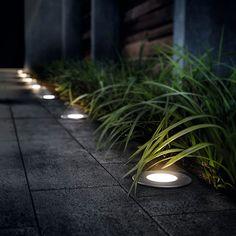 Un jardín con iluminación de cine - Leroy Merlin