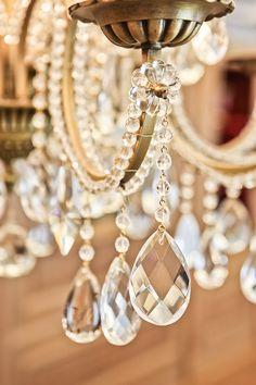 Detail- A crystal sheen