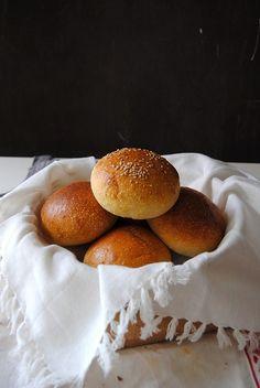 Baker's corner...somewhere in my kitchen: Sandwich or Hamburger Sourdough Buns