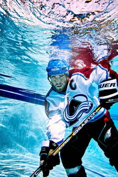 How normal people see Underwater Hockey xD Hockey Teams, Hockey Players, Ice Hockey, Hockey Stuff, Merchant Marine, Colorado Avalanche, Underwater Photography, Extreme Sports, Cool Pictures