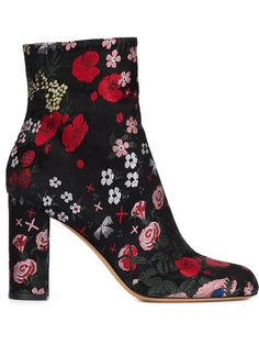 Achetez Valentino Garavani bottines à design brodé de fleurs en Stefania Mode from the world's best independent boutiques at farfetch.com. Shop 300 boutiques at one address.